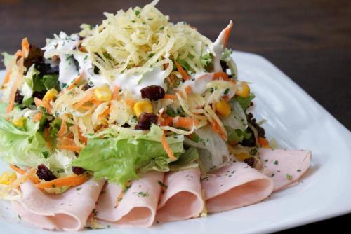 As saladas são alimentos importantes na dieta!