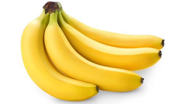 A banana ajuda a emagrecer.