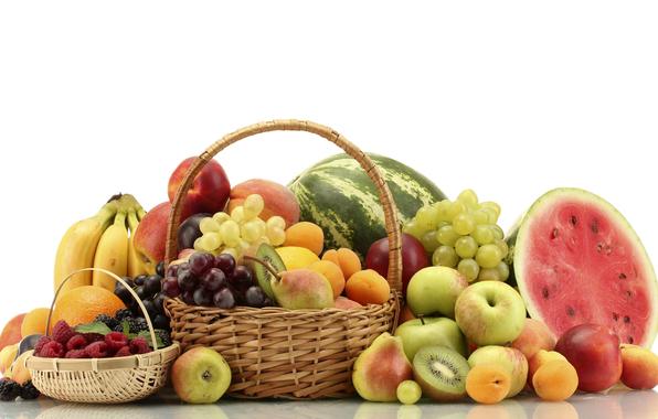 Esta é uma cesta de frutas saudáveis.
