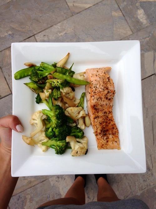 Prato da dieta da proteína.