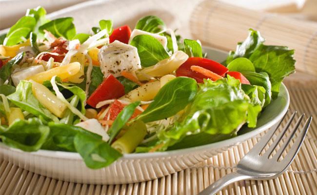 Dieta de emaergência com salada para emagrecer 8 quilos.