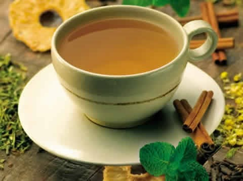 O chá verde também é considerado um remédio para emagrecer.