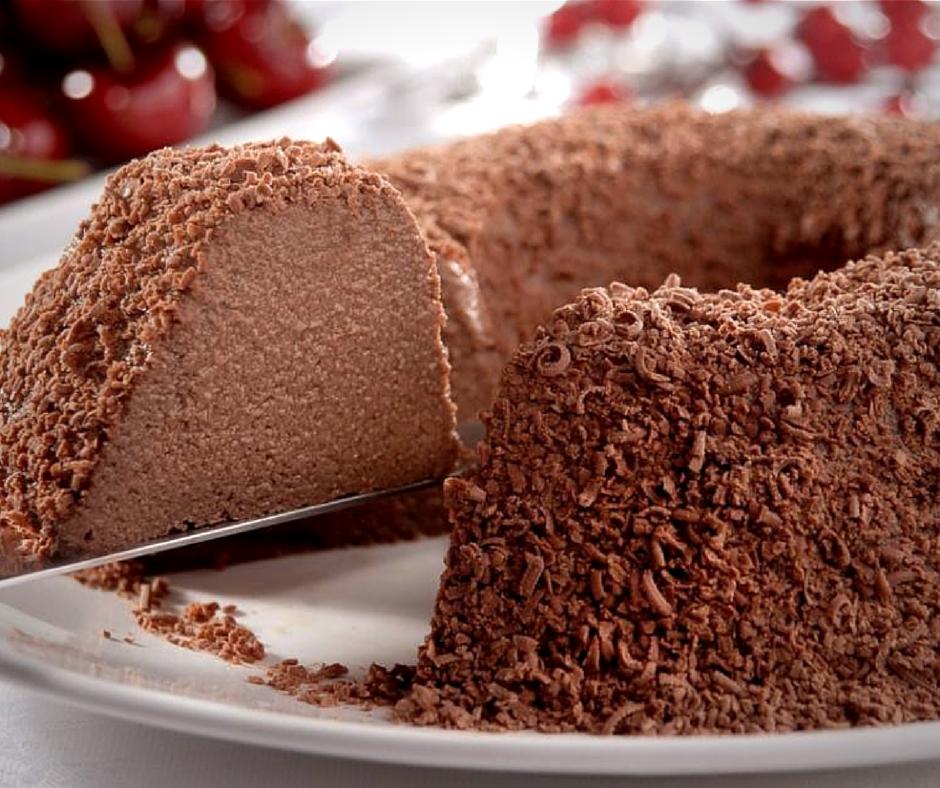 Receita de bolo de chocolate light e saboroso.