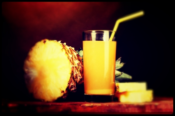 Faça a dieta do abacaxi inclua os sucos.